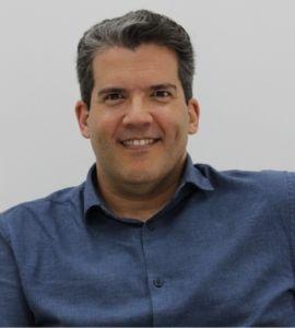 Palestrante: Gustavo Di Risio, Especialista em Startup - Angel Education